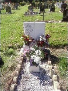 Image's of my mums grave pre 2016.